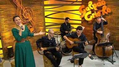 Tatiéli Bueno toca 'Gaudêncio Sete Luas' e 'Pôr-do-sol' no Galpão Crioulo - Assista ao vídeo.