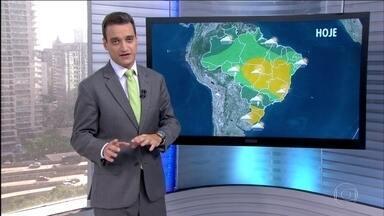 Veja a previsão do tempo nesta terça-feira (31) em todo o país - A chuva deve perder força ao longo desta terça-feira (31) no Recife e em toda faixa leste do Nordeste. Pode chover forte no MS, centro-norte do PR e em SP. Também há previsão de chuva para a faixa que vai do sul de MG até MT e o Norte do país.
