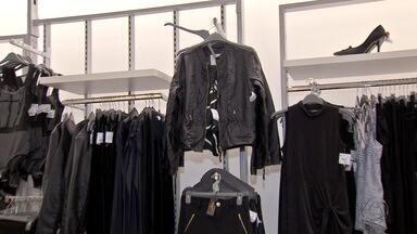 Procura por peças de inverno aumenta e comerciantes comemoram, em MS - Agasalhos, cobertores, toucas e protetores de orelhas são produtos vendidos nesta época do ano.