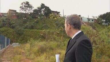 Mais de 10 casas correm risco de desabar no bairro São João, em Pouso Alegre (MG) - Mais de 10 casas correm risco de desabar no bairro São João, em Pouso Alegre (MG)