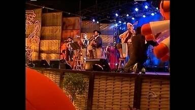 Galpão Crioulo é gravado na Fenadoce - O público lotou a praça de alimentação da Feira para assistir a gravação do programa da RBS TV.