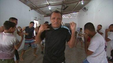 Todo Duro dá aula de boxe para crianças em comunidade carente - Todo Duro dá aula de boxe para crianças em comunidade carente
