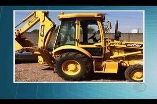 Máquinas agrícolas são recuperadas durante Operação 'Persefone' em Uberlândia e Paracatu - Seis pessoas foram presas: quatro em Paracatu e duas em Uberlândia. Operação foi conjunta entre polícias Federal, Civil, Militar e PRF.