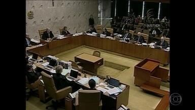 Por unanimidade, STF mantém Cunha como réu na Lava Jato - Mulher de Cunha diz à Justiça que ele autorizava compras de luxo. Presidente da Câmara afastado é acusado de receber propina.