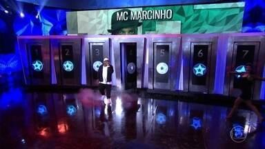 Mc Marcinho canta 'Glamurosa' - Cantor faz a festa no palco do 'Domingão'