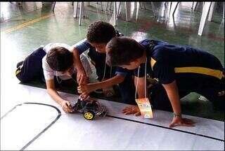 Alunos do Cariri mostram talento em feira robótica - Alunos do Cariri mostram talento em feira robótica