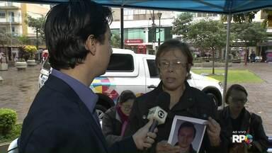 """Paraná TV ajuda a localizar pessoas desaparecidas - O QUADRO """"Desaparecidos"""" é um serviço prestado à comunidade. A RPC ouve telespectadores em busca de parentes ou amigos e tenta localizar essas pessoas."""