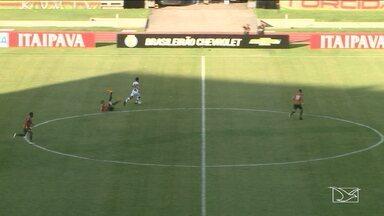 Sampaio sai na frente, mas cede a virada diante do Ceará - Tricolor acumula a quinta derrota na Série B e segue na lanterna da competição