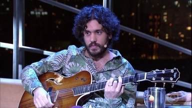 """Fernando Temporão canta """"Um Milhâo de Novas Palavras"""" - Cantor está lançando o disco """"Paraíso"""""""