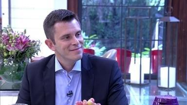 Gustavo Cerbasi dá dicas financeiras para os casais - Consultor financeiro escreveu o livro 'Casais Inteligentes Enriquecem Juntos', que inspirou a trilogia 'Até Que A Sorte nos Separe' no cinema