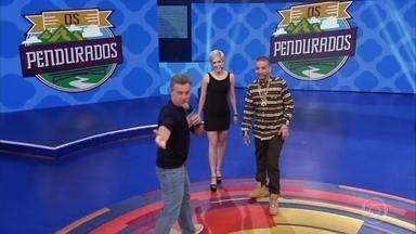 Os Pendurados tem Sophia Abrahão e Sérgio Malheiros e MC Guimê e Lexa - Os casais respondem perguntas sobre seus relacionamentos