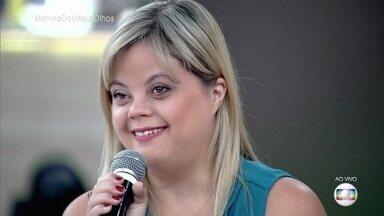Atriz e autora com Síndrome de Down ganha prêmio internacional de teatro - Tathiana Piancastelli escreveu e protagonizou 'A Menina dos Meus Olhos'