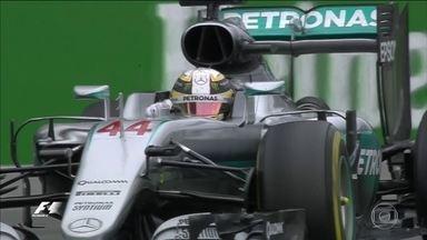 Lewis Hamilton vence no Canadá e encosta no líder Nico Rosberg - Na Fórmula 1, o inglês Lewis Hamilton venceu de novo e encostou no líder Nico Rosberg. No próximo domingo (19), os pilotos se enfrentarão em uma pista inédita.