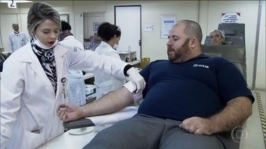 Aplicativo ajuda conectar doadores de sangue a hemocentros de SP - O aplicativo que está sendo lançado nesta quarta-feira (14) ajuda a ligar doadores de sangue a hemocentros de São Paulo. A ideia é propagar a doação no dia de hoje, em que se comemora o Dia Mundial do Doador de Sangue.