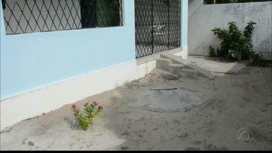 Bandidos invadem casa na Costa do Sol, em Mangabeira - Dois bandidos armados renderam um casal que estava em casa com o filho.