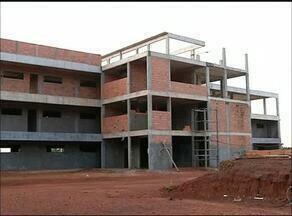 Alunos da UFT em Tocantinópolis estudam em prédio antigo e precário - Alunos da UFT em Tocantinópolis estudam em prédio antigo e precário