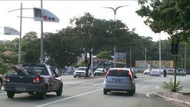 Falhas em semáforos colocam em risco vidas de motoristas e pedestres - Falhas em semáforos colocam em risco vidas de motoristas e pedestres