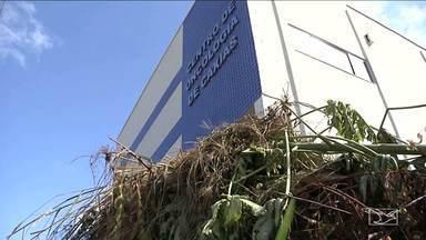 Centro de Oncologia em Caxias sofre com a ação do tempo - Centro de Oncologia em Caxias sofre com a ação do tempo.