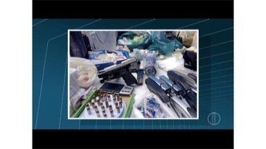 PM apreende grande quantidade armas e munições em sítio em Nova Friburgo, no RJ - Um homem foi preso.
