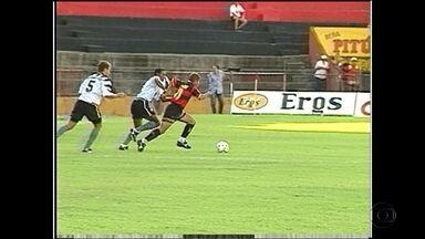 Com jogo entre Sport e Santos, Baú do Esporte relembra partida marcante em 1996 - Sport saiu vitorioso com bons passes e gol de Chiquinho.