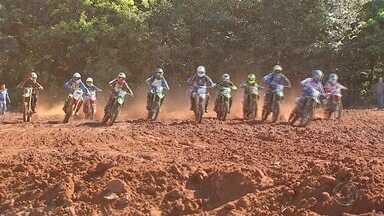 Turma do motocross revitaliza pista em Campo Grande - Turma do motocross revitaliza pista em Campo Grande