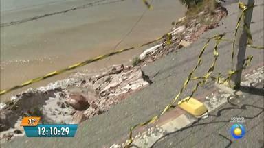 Na Paraíba Ponto Extremo Oriental das Américas continua desabando - A falésia do Cabo Branco, um dos pontos turísticos mais importantes do Nordeste, sofre com a erosão marinha e ameaça desabar.