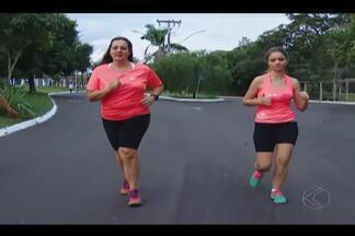 Revezamento vira opção para grupo de corredores na maratona de Uberlândia - No dia três de julho tem a Maratona Nilson Lima, em Uberlândia. São 42 longos quilômetros de prova. Para quem ainda não consegue completar essa distância, não se preocupe. É só reunir quatro amigos