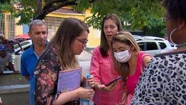 Transplantados fazem protesto em frente à Farmácia do Estado - Governo prometeu que situação deve ser regularizar em 30 dias.