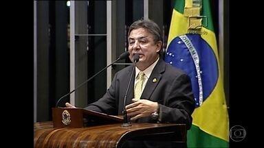 CGE questiona contratos de empresa da família do senador Zezé Perrella - MP investiga prejuízo de quase R$ 19 milhões aos cofres públicos.