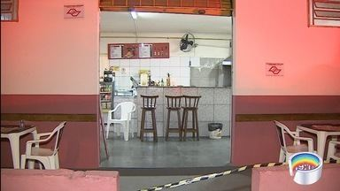 Homem é morto a tiros dentro de padaria em São José - Crime foi na tarde desta quarta-feira na zona leste.