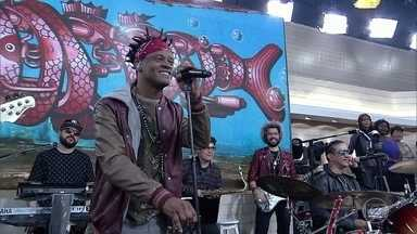 Cidade Negra canta 'Ponto de Mutação' - Banda comemora 30 anos de carreira