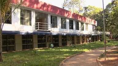 Estudantes reclamam de assaltos no Centro de Artes do Bosque dos Buritis, em Goiânia - A Guarda Civil Metropolitana alega que são feitas rondas diárias no local, mas que vai reforçar o patrulhamento na região.