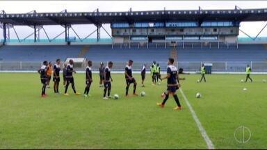 Mal das pernas na Série C, Macaé treina para tentar sair da zona de rebaixamento - Tita assumiu o clube novamente.