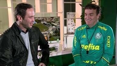 Caio Ribeiro conversa com Cuca para descobrir como o técnico levou o time à liderança - Confira a entrevista exclusiva