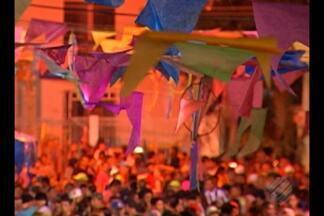 O arraial da Vila da Barca movimento o bairro do Telégrafo, em Belém - As festas do período junino estão animando a capital.