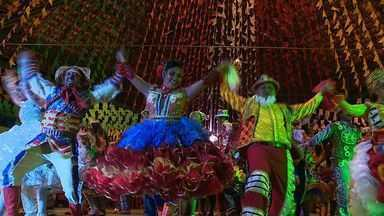 Quadrilheiros representam a cultura sergipana e ainda perdem peso nas apresentações - Quadrilheiros representam a cultura sergipana e ainda perdem peso nas apresentações.
