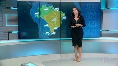 Rio Grande do Sul tem alerta para novos temporais neste domingo (26) - Chuva não deve se espalhar para os outros estados da região Sul. Veja a previsão do tempo.