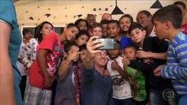 'Casa da Sopa' será ajudada pelo 'Criança Esperança' - Jovens do projeto social se emocionam com a notícia