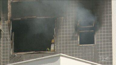 Laudo sobre incêndio em apartamento em São Luís deve ficar pronto em 30 dias - O incêndio ocorreu no domingo (3) em um prédio situado na Avenida dos Holandeses, na capital. O fogo começou por volta de uma hora da tarde. Saía muita fumaça por uma das janelas do apartamento no terceiro andar.