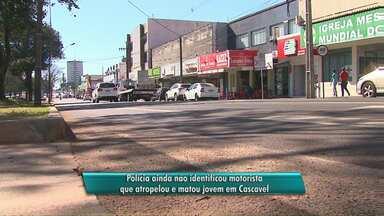 Polícia procura motorista que fugiu depois de atropelar um jovem na faixa de pedestres - O rapaz de 18 anos morreu logo depois de ser atropelado na Avenida Brasil em Cascavel.