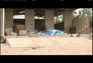 Coleta seletiva deixa de ser realizada em Valadares - Trabalhadores que usam lixo reciclável têm destino incerto.