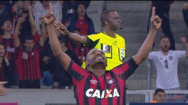 Atlético-PR se recupera e cola no G4 - Furacão venceu o América-MG com gol de Nikão e ficou a dois pontos da zona da Libertadores