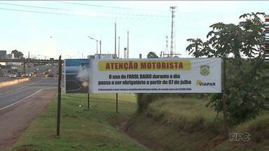 Faróis acesos na estrada: nova lei entra em vigor e multa quem rodar de luz apagada - Medida já é obrigatória para ônibus em canaletas exclusivas.