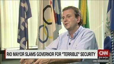 Eduardo Paes volta a criticar duramente a política de segurança pública - Em entrevista à Rede Americana CNN, prefeito do Rio volta a criticar duramente a política de segurança pública do governo estadual.