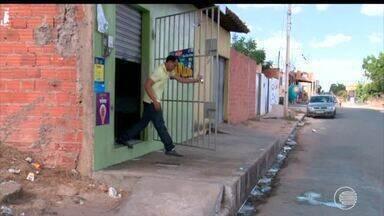 Jovem é morto a tiros durante tentativa de assalto no Jacinta Andrade - Jovem é morto a tiros durante tentativa de assalto no Jacinta Andrade