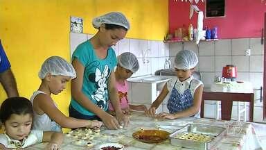 Férias escolares podem ser oportunidade para maior interação familiar - Crianças e avós podem aproveitar o período para se divertirem juntos.