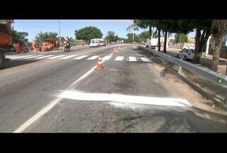 Concessionária inicia pintura de faixa de pedestres na altura do IFF de Guarus da BR-101 - Trabalho foi iniciado após reclamações de moradores do subdistrito de Campos, no RJ.