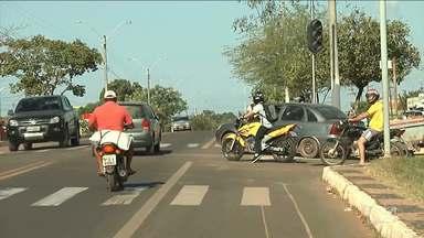 Situação perigosa é observada em trecho urbano da BR-316 em Santa Inês - Acidente na Avenida Castelo Branco chamou atenção paras o perigo em um dos retornos mais movimentados da cidade.