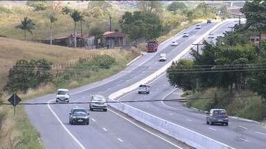 Uso do farol baixo durante o dia será obrigatório em rodovias a partir de sexta-feira (08) - Motorista que for flagrado com as luzes apagadas será multado em R$ 85,13.