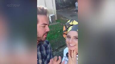 Julianne Trevisol se diverte em entrevista no snapchat - A atriz conta sua relação com a cozinha